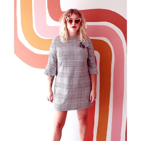 H&M Dresses & Skirts - H&M tweed dress with beaded swan